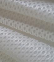 白色大小孔三明治网布